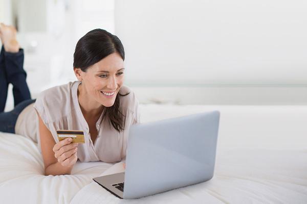 Việc đổi thẻ chỉ qua vài bước trên trang với giao diện thân thiện.